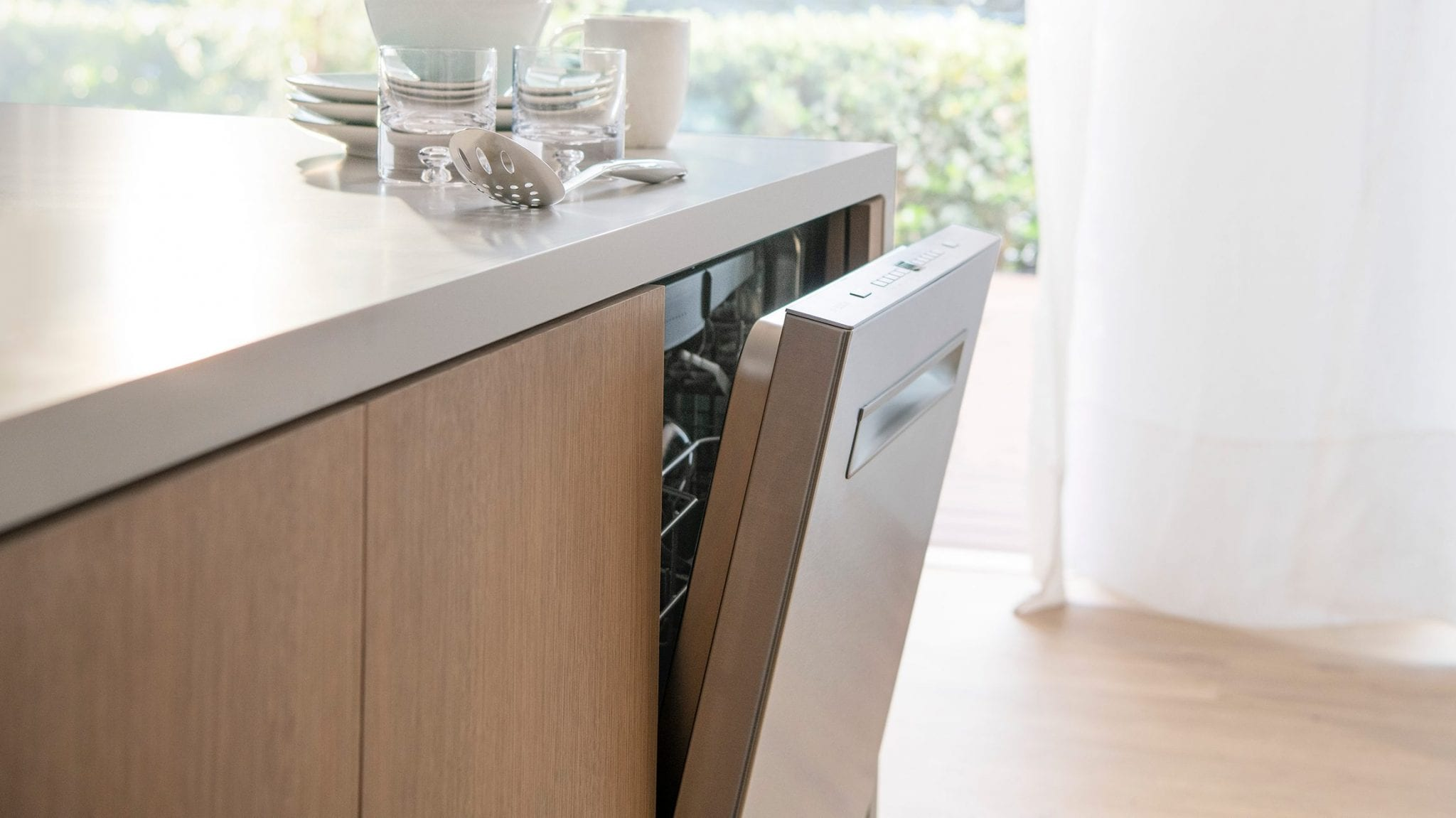 No More Dirty Dishes with the Bosch AutoAir™ 500 Series Dishwasher